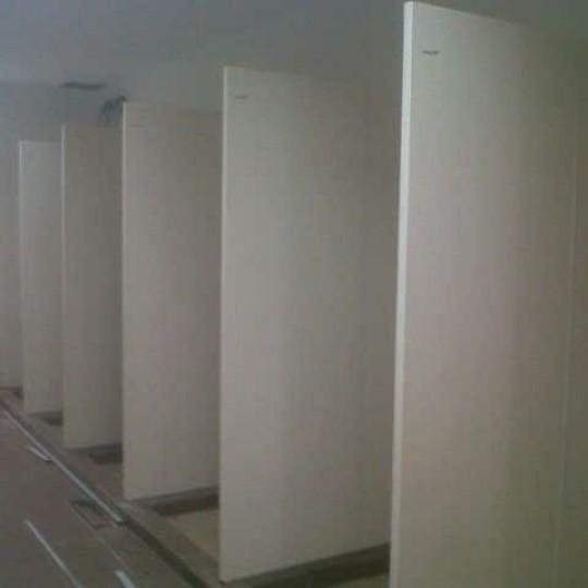 Setting Cubicle toilet di Patra niaga Pertamina