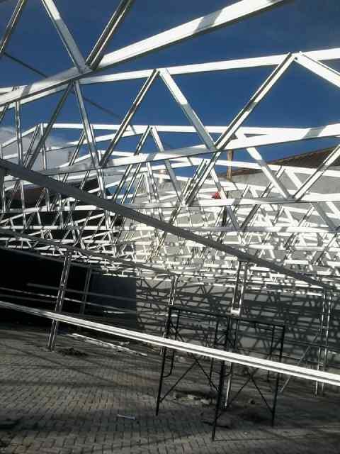 Butuh Pemasangan atap Baja Ringan?