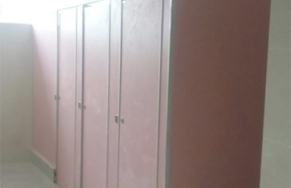 24 Unit Cubicle Toilet di bina Bangsa School Malang