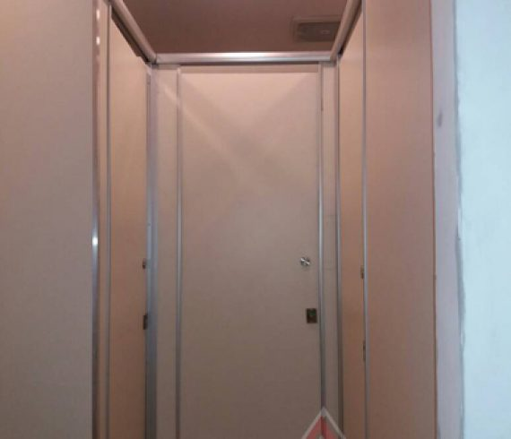 Cubicle Toilet 3 Unit Phenolic Resin di Hotel Darmo Surabaya